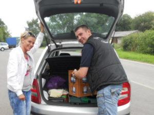 Einkäufe in den Kofferraum